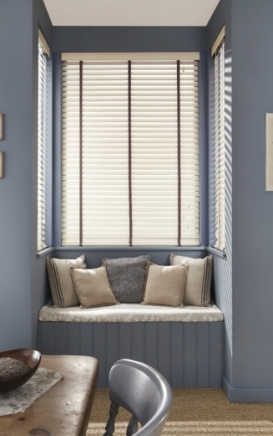 Cricket Bat Window blind